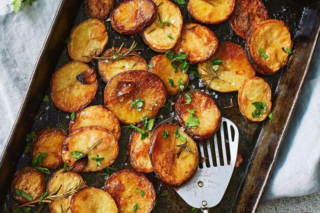 Patate të pjekura në furrë